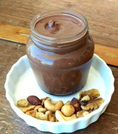 Low Carb'd Schoko-Nuss-Aufstrich – süß, lecker und Low Carb'd Delicious, healthy and easy to prepare. This low carb choco-nut spread should not be missing on any sweet low carb breakfast table. Protein Desserts, Low Carb Desserts, Low Carb Recipes, Healthy Eating Tips, Healthy Dessert Recipes, Breakfast Low Carb, Paleo Donut, Law Carb, Low Carb Menus