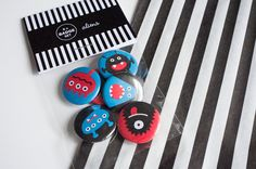 Packaging for alien buttons.
