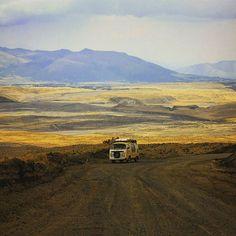 Liked on InstaGram: Huella subiendo el camino para llegar a los pies del volcán Cotopaxi en Ecuador #kombirutera #kombilife #kombilove #vanlove #vanlifestyle #vanlifeproject #vanlife #vanlifers #vanlifeexplorers #vanlifemovement #vanlifediaries #vwvan #vwt2 #travelblogger #travelgram #cotopaxi #ecuadoramalavida #camperlife #vancrush #camper #alavelociadaddelpaisaje #latinoamerica #travelers #instamoment #instatravel