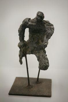 alina szapocznikow, monstrum II, 1957, żeliwo, cement, kamień, żelazo