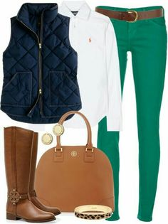 Cute Kelly green and navy outfit.