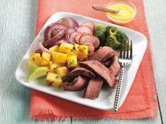 Beef Fajita Salad with Mango-Serrano Vinaigrette  #salad #recipe #beef #fajita #mango
