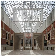 The new #Rijksmuseum Atrium bathing in sunlight