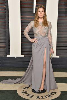 Pin for Later: Die Outfits der Vanity Fair Afterparty waren fast noch besser als die Kleider der Oscars Jessica Biel in Zuhair Murad