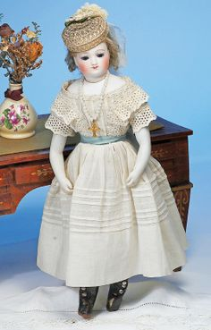 123: PETITE FRENCH BISQUE FASHION BY ROHMER : Lot 123