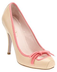 Some of you have to get in on this: RED Valentino Leather Pump Nude Heels, Leather Pumps, Beautiful Outfits, Pink Ladies, Valentino, Peep Toe, Product Launch, Vogue, Fancy
