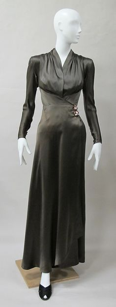 Evening dress, Charles Jame, 1939; silk, synthetic. -The Metropolitan Museum of Art 2013.406 (front)