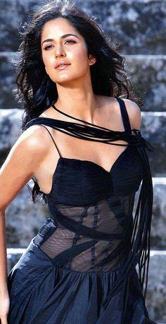 Katrina Kaif- The Bolly super star   http://www.dfilmybuzz.com/alia-bhatt/
