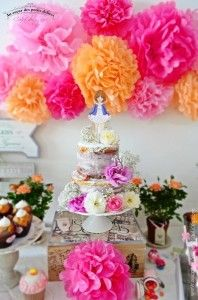 Partageons la sublime Sweet Table de Séverine, auteur du blog «Au Coeur des Petits Délices » Elle a réalisé une sweet table à l'occasion des 8 ans de sa fille Lina. Un anniversaire tout en couleur dans les tons rose, … Continuer la lecture →
