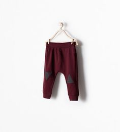 Smith size 12-18 mo Burgundy and letters