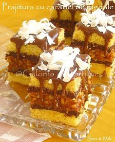 Almond Cake with caramel Almond Cakes, Caramel, Waffles, French Toast, Cooking Recipes, Sweets, Cookies, Breakfast, Chef Recipes