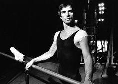«Танцовщик» Колума МакКэнна: биография Нуреева как вымысел — Книги — Афиша-Воздух