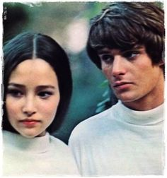 I haven't seen this shot before😉Leonard and I on one of our many many photo shoots👍🤗❤️Happy memory🌹romeo&Juliet Leonard Whiting, Old Movies, Great Movies, William Shakespeare, Hades Greek Mythology, Zeffirelli Romeo And Juliet, Juliet Movie, Olivia Hussey, Romeo Y Julieta