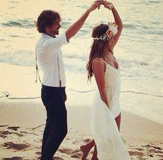 Beach wedding theme- photo ideas- save the date- düğün bride grooö gelin damat nişan kumsal sahil fotograf fikirleri