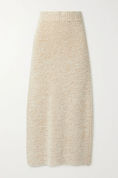 The Row's 'Caluso' maxi skirt is designed to be worn with the [coordinating 'Cambria' sweater id1321717], but looks just as chic with a simple tee. It's rib-knitted from cozy cashmere and silk-blend bouclé and topped with a flexible elasticated waistband. The slit at the back ensures comfortable movement. Fashion Advice, Fashion News, Beauty News, Top Designer Brands, Rib Knit, The Row, Midi Skirt, Cashmere, Menswear