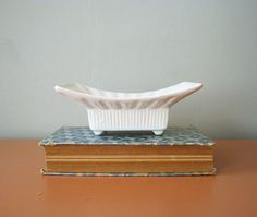 Vintage Hull pottery - white / cream colored dish