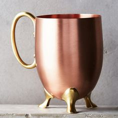 10 Best Moscow Mule Mugs - Anthropologie Caldley Moscow Mule Mug Copper Moscow Mule Mugs, Copper Mugs, Best Moscow Mule, Ponche Navideno, Pretty Mugs, Copper Kitchen, French Kitchen, Unique Coffee Mugs, Rose Gold