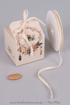 Boho αισθητική και φλοράλ μοτίβο για την μπομπονιέρα του γάμου σας. Decorative Boxes, Container, Decorations, Boho, Home Decor, Decoration Home, Room Decor, Dekoration, Deko