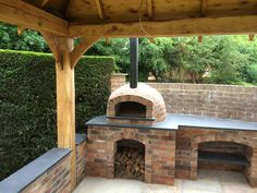 Outdoor kitchen with pizza oven outdoor fireplace pizza oven combo build built in dome how to . outdoor kitchen with pizza oven Brick Oven Outdoor, Brick Bbq, Pizza Oven Outdoor, Outdoor Kitchen Bars, Outdoor Kitchen Design, Outdoor Kitchens, Outdoor Rooms, Pizza Oven Outside, Outdoor Living