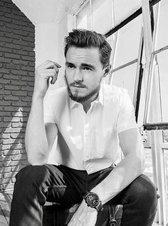 Callan McAuliffe / Flipped / I Am Number Four / The Great Gatsby / Robot Overlords / The Stanford Prison Experiment / The Legend Of Ben Hall / Beneath The Harvest Sky / The Walking Dead Callan Mcauliffe, Stanford Prison Experiment, I Am Number Four, The Great Gatsby, The Walking Dead, Love Of My Life, Harvest, Robot, Sky
