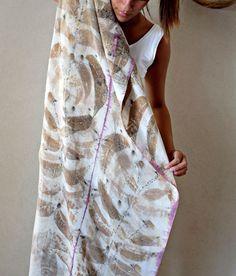 Silk Scarf Purple Gold Eco Print por Amirama en Etsy