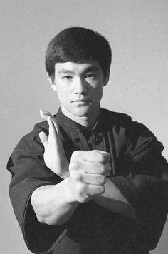 Bruce Lee ~ Fundamentals of Jeet Kune do.