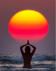 ॐ Sun Salutation / Surya Namaskar ॐ India, Maharashtra, Paradise Beach