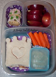 A Pocket Full Of Buttons: Easy Lunchboxes Mini Dippers {bento} #easylunchboxes