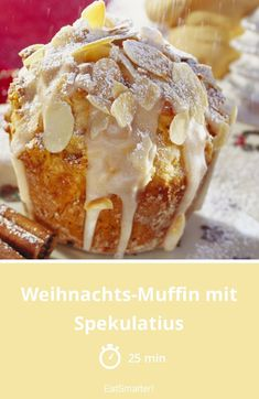 Weihnachts-Muffin mit Spekulatius Christmas muffins - with crumbled speculoos, orange peel and almonds - time: 25 min. Christmas Desserts, Christmas Baking, Fun Desserts, Christmas Truffles, Christmas Christmas, Cupcake Recipes, Cookie Recipes, Dessert Recipes, Christmas Muffins Recipe
