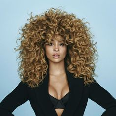 spellmagazine.co.uk | Here at Spell, we love to chat with super smart, incredibly talented and all round amazing women. So it was only right that we leapt at the chance to chat with one half of music's most in demand duo, Lion Babe's Jillian Hervey.