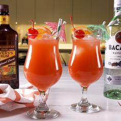 Hurricane Cocktail - - Tropical rum-based drinks, like the Hurricane, go hand in hand with the summer season. Hurricane Cocktail Recipe, Hurricane Drink, Alcohol Drink Recipes, Punch Recipes, Salad Recipes, Coconut Rum Punches, Best Survival Food, Food Safety Tips, Drink Recipes