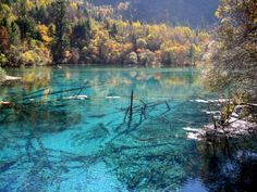 Turquoise blue clear waters at the Jiuzhaigou national park, China