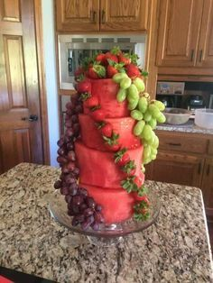 "Watermelon and grape fruit ""cake"" (party snacks fruit) Cute Food, Yummy Food, Fruits Decoration, Healthy Snacks, Healthy Recipes, Fruit Snacks, Party Snacks, Fruit Kabobs, Fruit Salads"