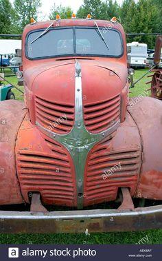 Chrysler Trucks, Dodge Chrysler, Old Dodge Trucks, Dodge Pickup, Old Lorries, Vintage Trucks, Cool Trucks, Old Antiques, Mopar