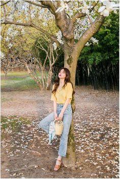 Korean Fashion – How to Dress up Korean Style – Designer Fashion Tips Korean Fashion Trends, Korean Street Fashion, Korea Fashion, Asian Fashion, Portrait Photography Poses, Photography Poses Women, Ulzzang Fashion, Ulzzang Girl, Poses Modelo
