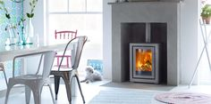 Contura FS transforms an old fireplace into an efficient and environmentally sound heat source Log Burner Fireplace, Old Fireplace, Concrete Fireplace, Fireplace Inserts, Wood Burner, Fireplace Kitchen, Small Log Burner, Modern Log Burners, Modern Stoves