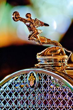 """1931 Packard Deluxe Eight Convertible Victoria """"Goddess of Speed"""" Hood Ornament"""