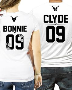 pärchen t-shirts Paar T-shirts Bonnie and Clyde Couple shirts ? the GUN & FLOWER ? edition Bonnie Clyde shirts Bonnie Clyde 03 tshirts partners in crime goals shirts Bonnie And Clyde Shirts, Bonnie And Clyde Photos, Bonnie Clyde, Matching Couple Outfits, Matching Couples, Matching Shirts, Cute Couple Shirts, Family Shirts, Custom Made T Shirts