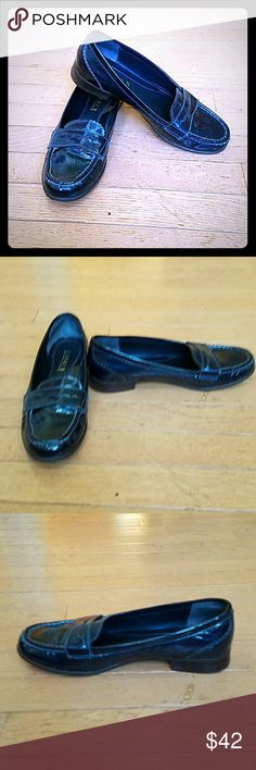 💙Ralph Lauren blue patent leather loafers💙 (ON HOLD) Blue (with a slight hint of dark green!) patent leather slip on loafers with a one inch heel A.L.C. Shoes Flats & Loafers