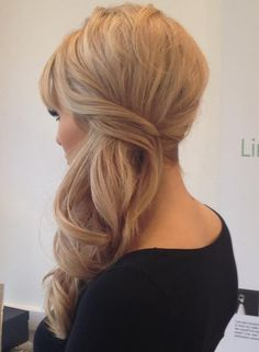 5 Side Swept Hairstyles You Will Want to Wear to Prom   ~ we ❤ this! moncheriprom.com  #promsideswepthair