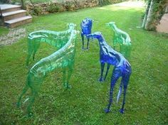 "Power Up Your Life ! urbanartlab: ""Recycled art made from plastic bottles by unknown artist "" Art Plastic, Plastic Bottle Crafts, Recycle Plastic Bottles, Plastic Recycling, Recycled Bottles, Recycled Crafts, Diy Pet, Greyhound Art, Art Sculpture"