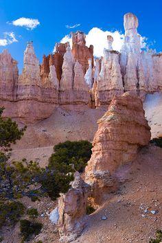 peekaboo & queens garden trail, bryce canyon national park.