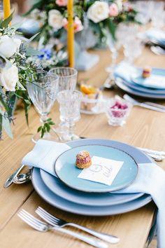 Robins egg blue plates | SOVISUAL Photography