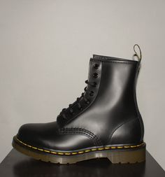 Ain't the Dr Martens 1460 beauts? Dr Martens Black, Dr Martens 1460, Dr. Martens, Combat Boots, Ankle Boots, Autumn Style, Black Boots, Trainers, Autumn Fashion