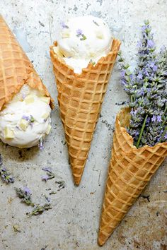 A recipe for a ricotta ice cream mixed with white chocolate chunks and flavored with lavender. Ice Cream Desserts, Frozen Desserts, Ice Cream Recipes, Frozen Treats, Ice Cream Mix, Ice Cream Maker, Sandwiches, Gelato, Sandwich Torte