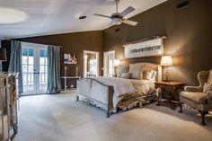 5454 Wateka Drive, Dallas, TX 75209. Sold in 2015 by Doris Jacobs I Doris Jacobs Real Estate.
