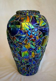 Mosaic Multicolor Dichroic Glass Vase by Laurel Yourkowski - I covet this! Dichroic Glass, Fused Glass, Stained Glass, Mosaic Crafts, Mosaic Projects, Mosaic Vase, Mosaic Tiles, Tiling, Vase Deco