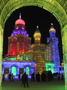 Woodif Co Photo - Russian ice castles at the Harbin Ice Festival - China 616132126431482 Festivals Around The World, Places Around The World, Oh The Places You'll Go, Places To Visit, Around The Worlds, Ice Castles, Famous Castles, Harbin, Ice Festival China