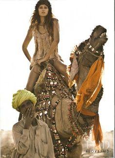 Vogue Australia Editorial Indian Dream, June 2008 - photo by Richard Bailey Fashion Shoot, Editorial Fashion, Boho Fashion, Fashion Models, Fashion Beauty, Morocco Fashion, Fashion Women, Ellen Von Unwerth, Annie Leibovitz