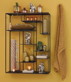 Ideas that can fill empty walls and empty shelves in a tropical way. Armaos the Home Collection Reptiles, Plaid Living Room, Ochre Lighting, Terrarium, Tall Vases, Yellow And Brown, Ceramic Vase, New Room, Home Collections